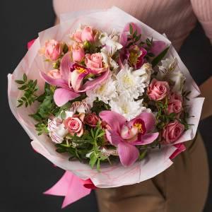 Сборный букет с хризантемой и орхидеей R1125