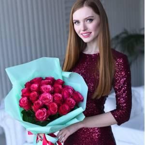 Букет 21 крупная красная роза R68